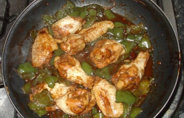 pollo a la sartén con langostinos