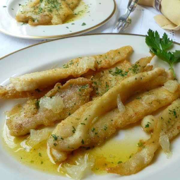 Filetes de merluza con salsa de mostaza for Cocinar hinojo