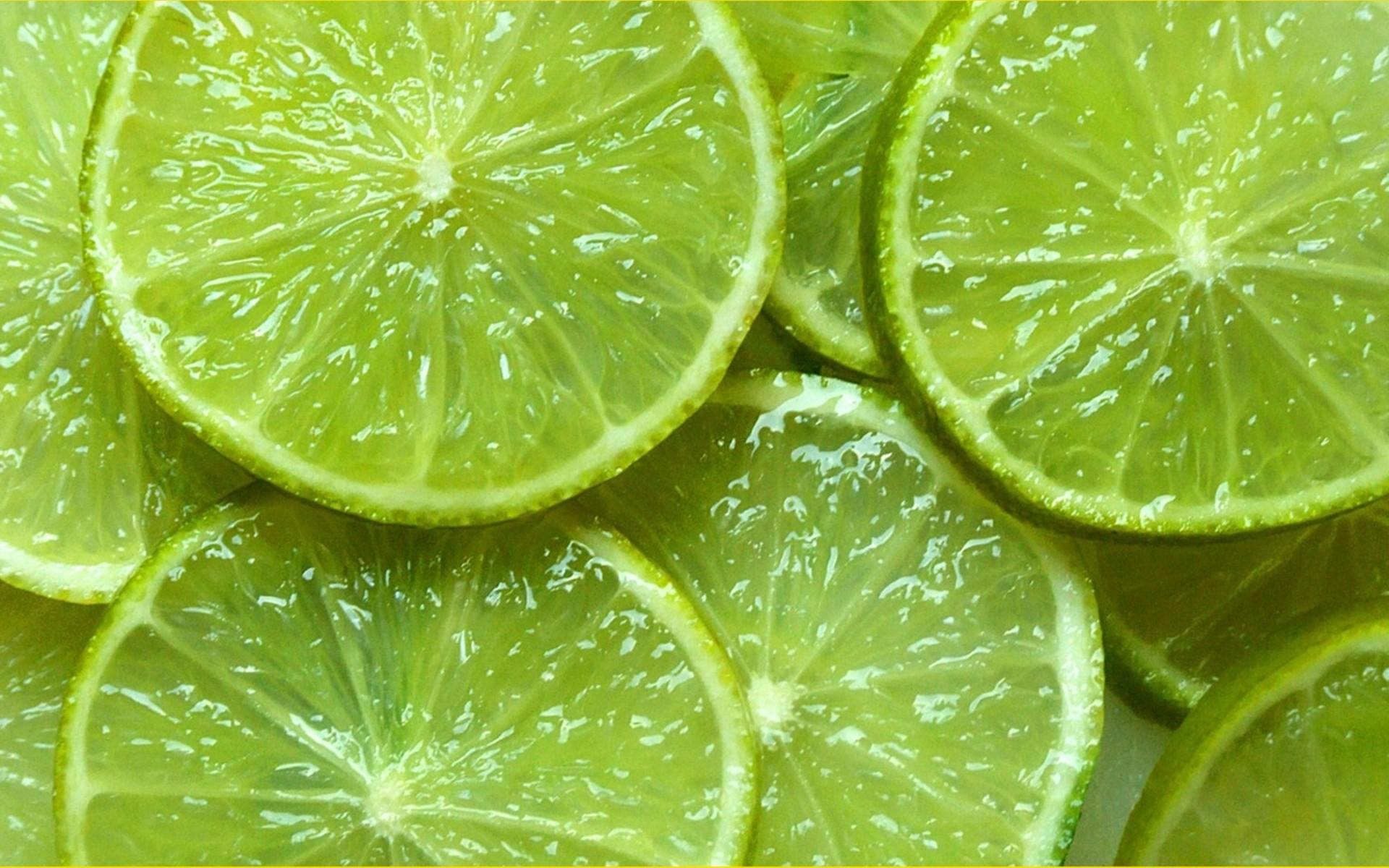 como recuperar un limón seco con sólo sumergirlo en agua hirviendo