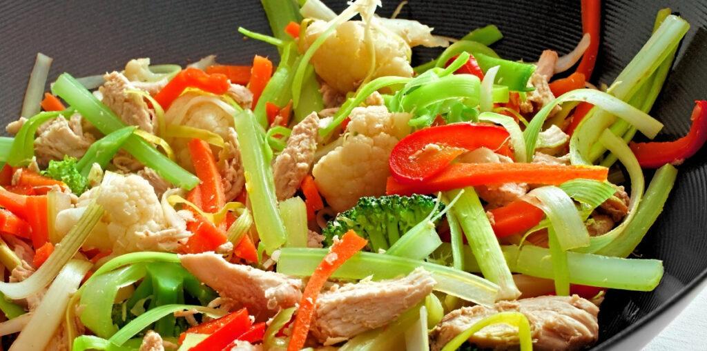 Wok de vegetales el fondo de la cazuela for Como cocinar conchas finas