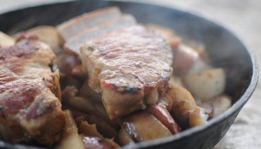 Costillitas de cerdo con salsa de cebollas