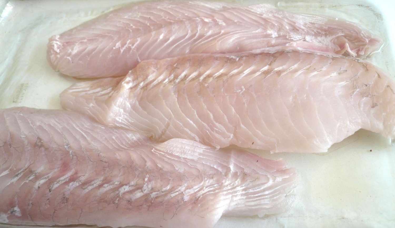 filete de pescado crudo