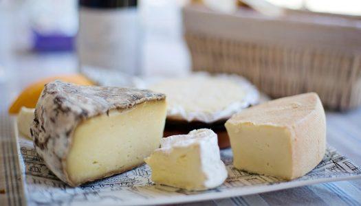 Cómo servir una mesa de quesos